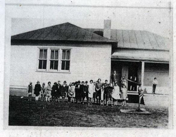 WhiteSchoolPleasantValley1932